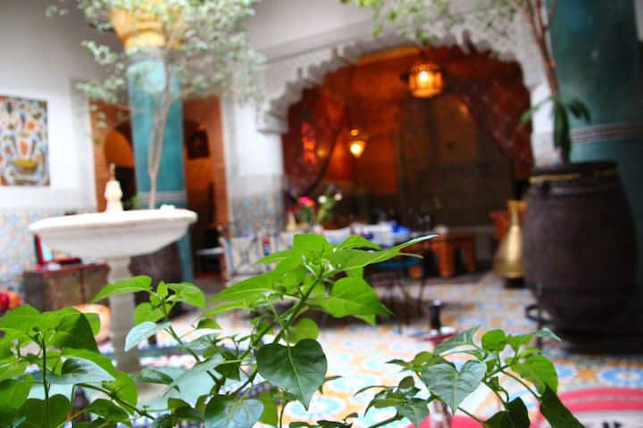 Riad typique de charme, B&B, idéalement situé