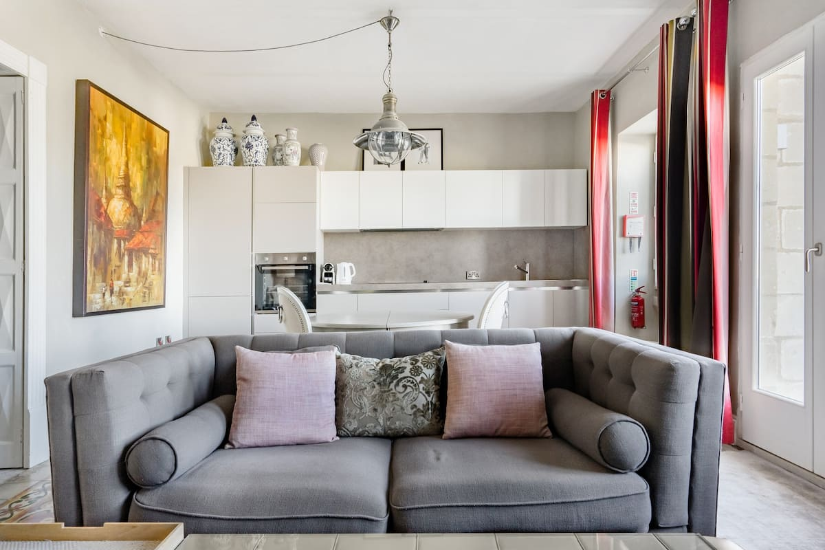 Designer Guest Suite in Cospicua Old Town