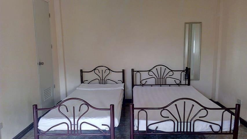 Private room max 4 - iloilo