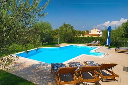 Villa Ulika with pool for 12 persons - Пореч - Вилла