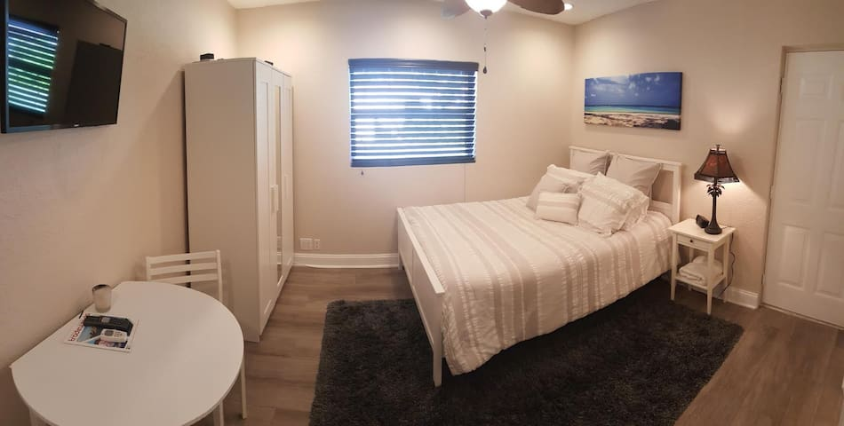 Private Studio - Pompano Beach