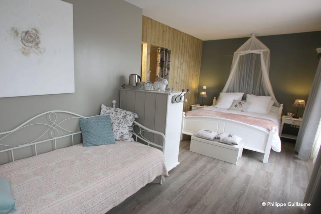 chambre les petits papillons en baie de somme chambres d 39 h tes louer nouvion hauts de. Black Bedroom Furniture Sets. Home Design Ideas