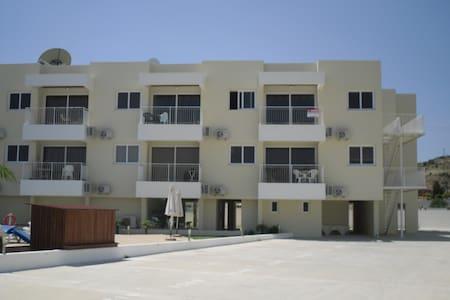 Apartment in Oroklini - Oroklini - Apartment