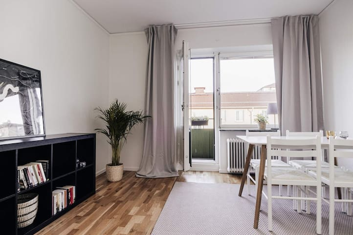 Top floor apartment close to Globen and Skanstull