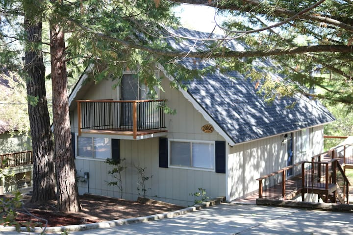 Family Friendly Mountain Getaway near Yosemite - Groveland