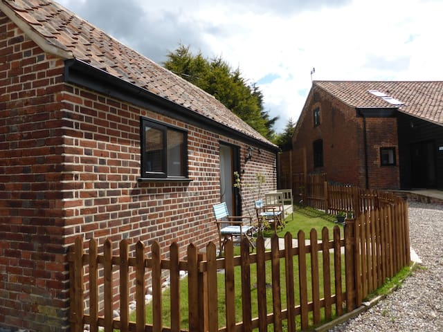 1 bedroom barn conversion by the sea - Winterton on sea  - Casa