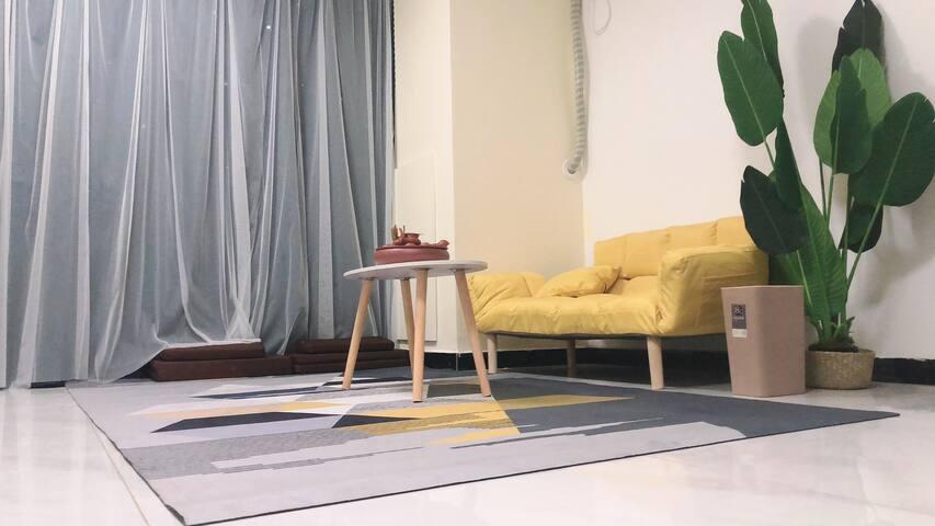 日式原木榻榻米投影仪吊篮藤椅房