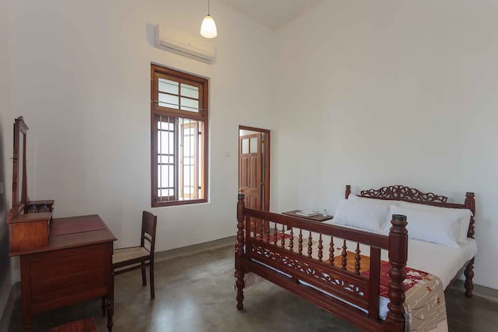 The Old Cinnamon House Room 1 - Dehiwala-Mount Lavinia - Villa