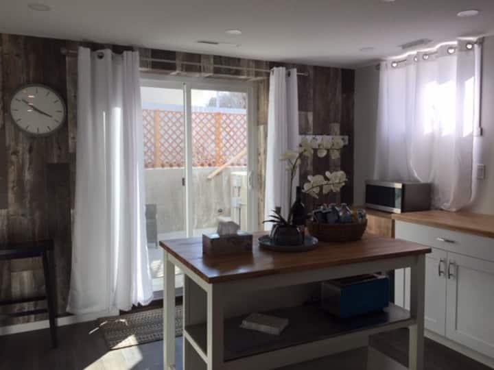 One Bedroom Guest Suite - No Clean Fee - Pets Okay