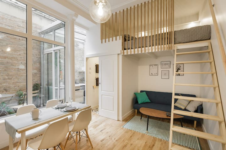 Beautiful apartment Heart of Paris - ปารีส