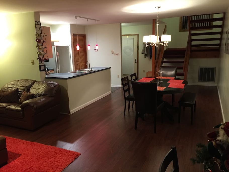 Main floor living / dining