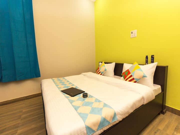 OYO Vibrant 2BHK Stay in Ramnagar w/ a Hill-View