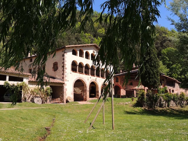 Ancient Catalan farmhouse. Les Moles. PG-18