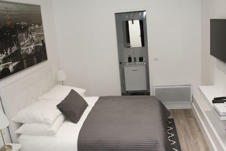 LOVELY PARISIAN APARTMENT - 巴黎 - 公寓