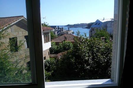 Apartamento soleado en Silgar - サンシェンショ