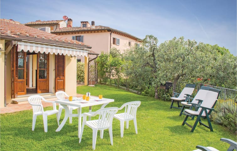 Holiday cottage with 2 bedrooms on 72 m² in Montespertoli FI