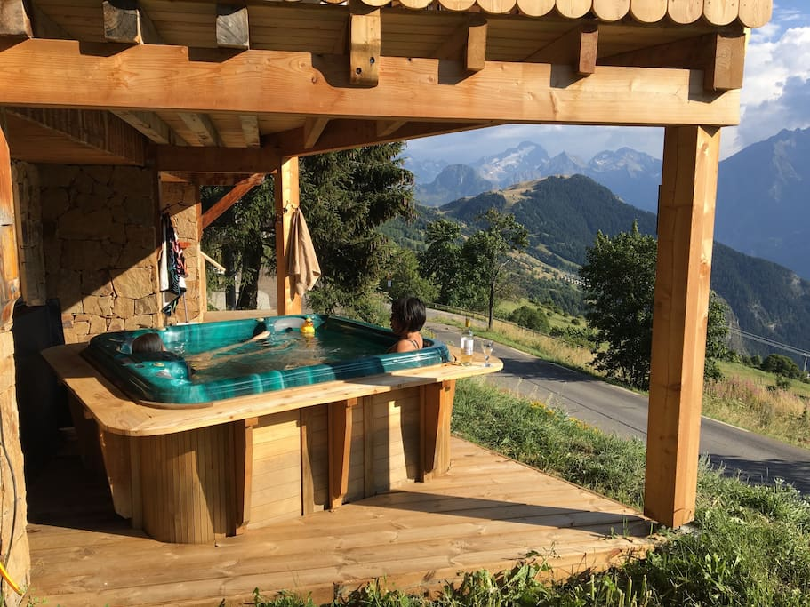 Hot Tub - with the fabulous view of the 21 Hairpins