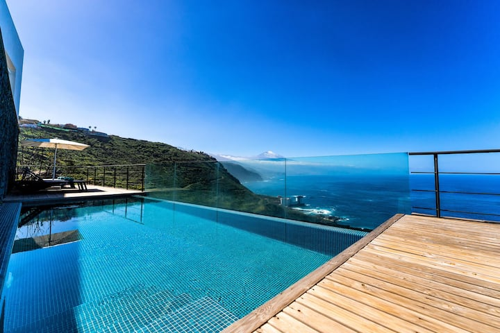 "Fantastic Panorama - Villa ""Prismar"" close to the Sea with Sea View, Amazing El Teide Views, Pool, Wi-Fi, Terraces & Garden; Parking Available"
