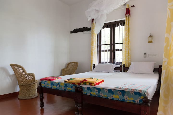 Family Homestay facing Mararikulam Beach - Mararikulam