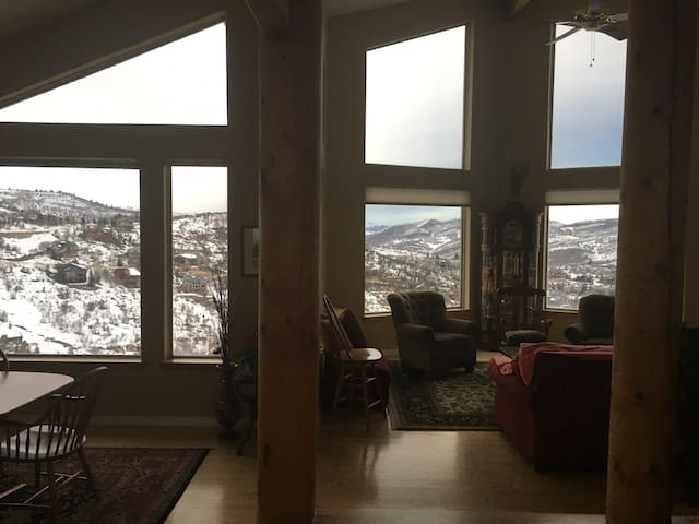 Home retreat with a view - Park City