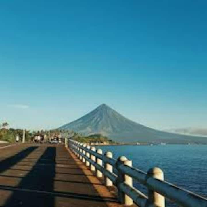 Motel room for 2 near sea boulevard, Mayon view R3