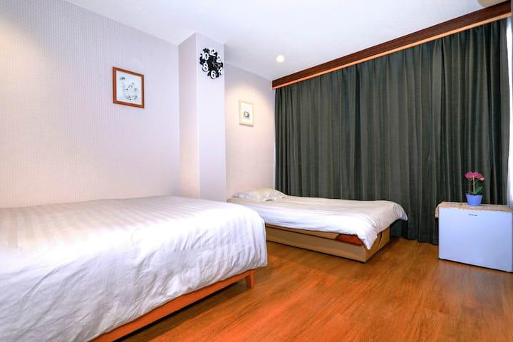 心斋桥内新装修日式公寓!大丸百货仅50米,两张双人床,可住4人,勝逹民泊505