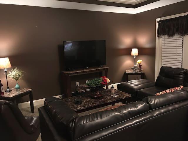Quiet & Quaint Escape with DirectTV/Netflix/HBO