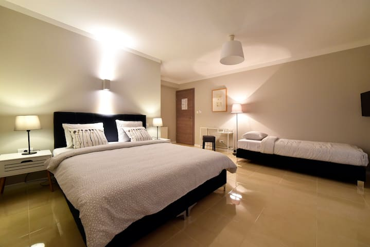 B&B DOWNTOWN 3 ZAGREB  ****