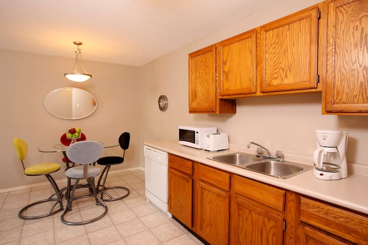 Full Furnished Long Term One Bedroom Suite - Saskatoon - Pis