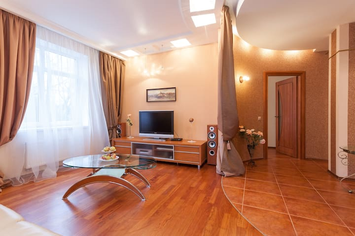 Designer flat 5 min from the sea - Svetlogorsk - Apartemen