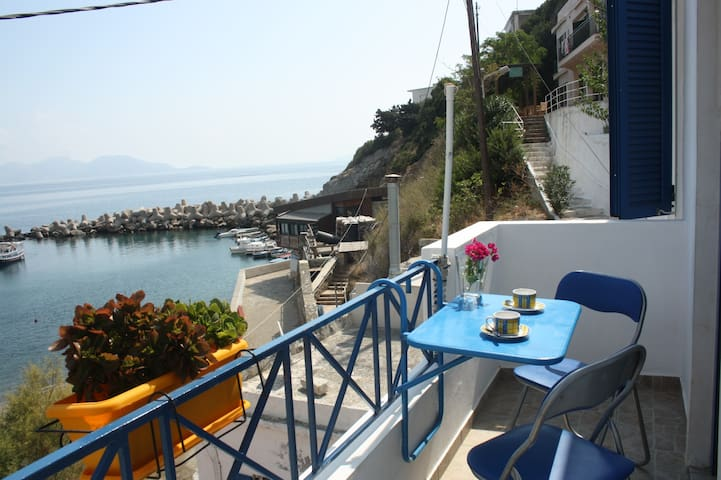 Alkistis apartment-2nd Floor (2-5 persons) - Ikaria