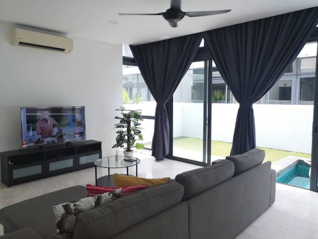 KL Semi D with Private Pool & RoofTop Garden