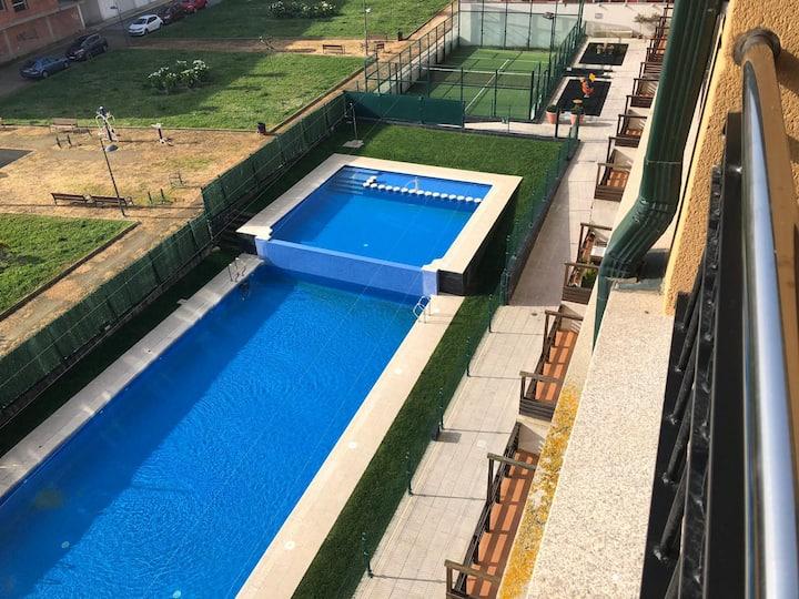 Apartamento para 6 personas con piscina y paddle