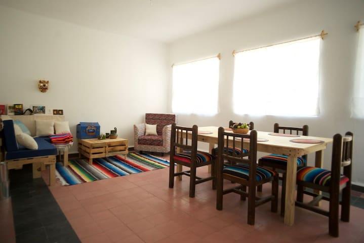 close to historic center,bright rooms,park beside - Ciudad de México - Bed & Breakfast