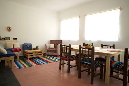 close to historic center,bright rooms,park beside - Città del Messico - Bed & Breakfast