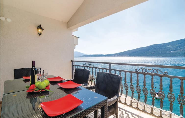 Holiday apartment with 3 bedrooms on 76m² in Baosici