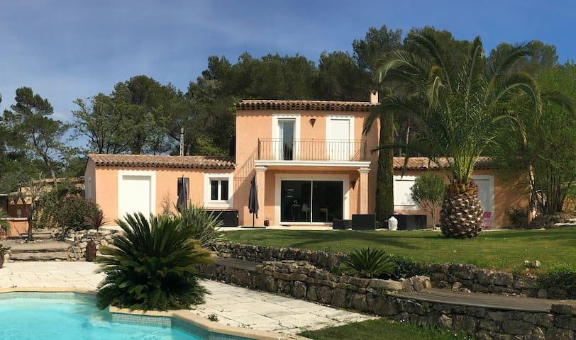 Le charme de la Cote d'azur au Calme - Le Rouret - Villa