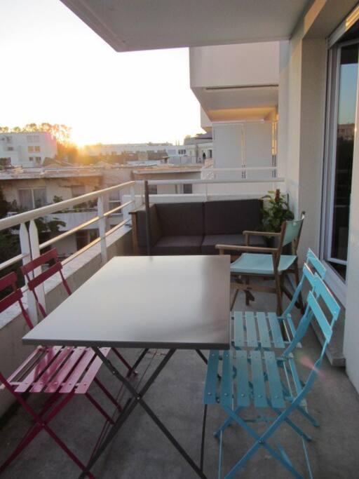 Le balcon pour vous détendre après une journée de visites ou pour un petit déjeuner au calme