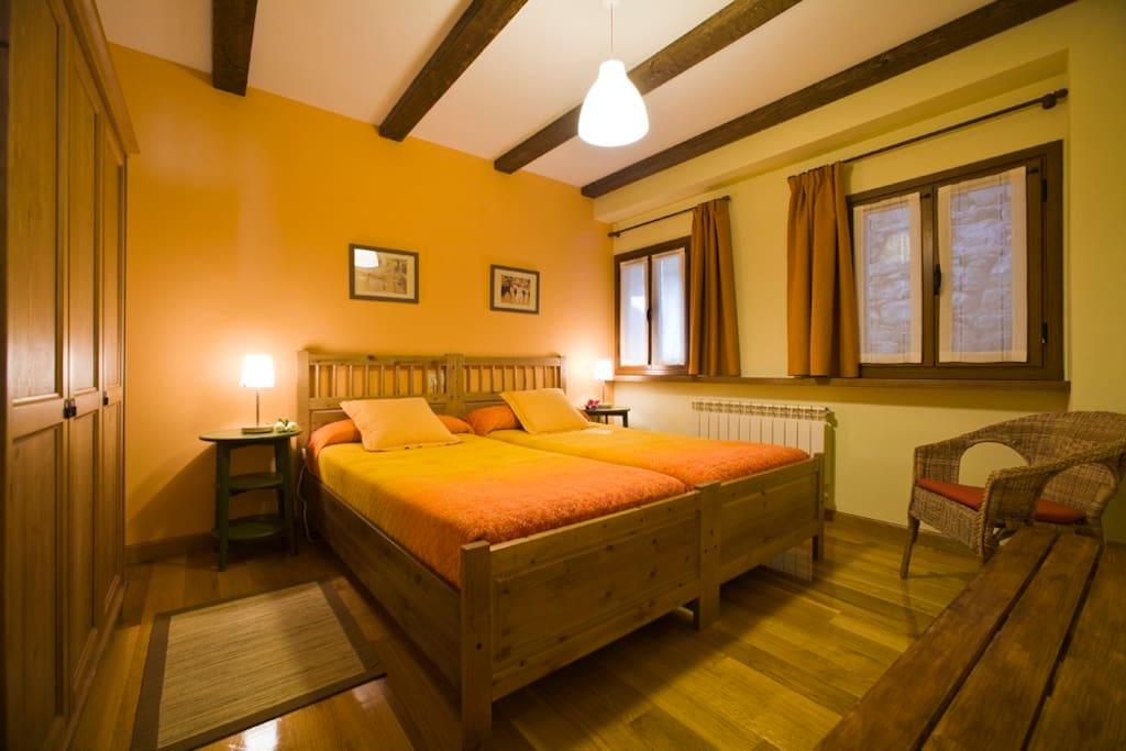 Habitación 2 camas Aitonarena Irati