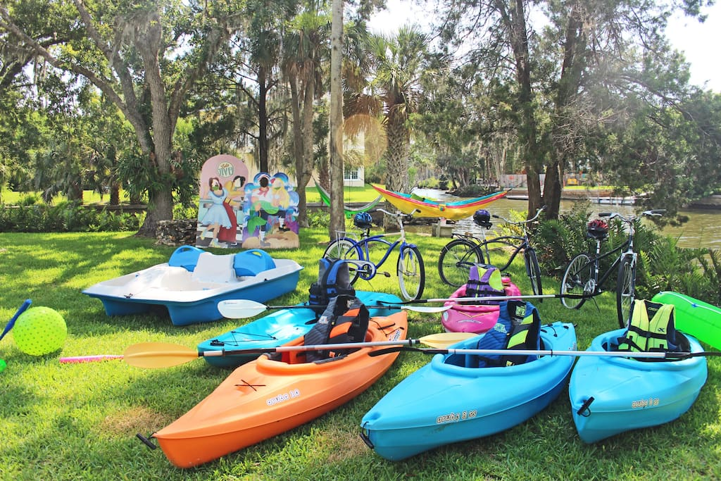Retro Fl Kayaks Paddleboat Bikes Dock Sleeps 8 Houses