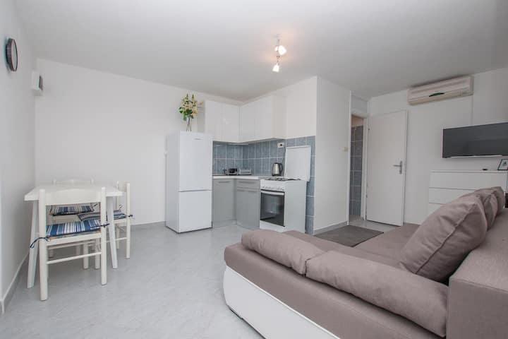 Studio apartman AMANZI
