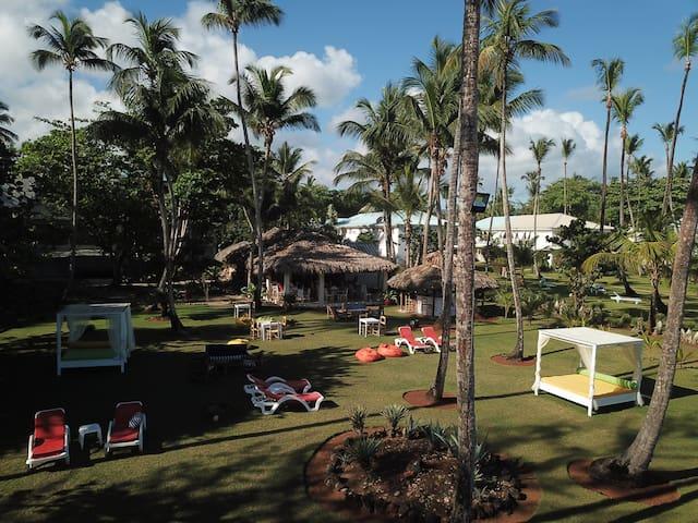 Playa Bonita-1ra linea Hermosa Casita en el jardin