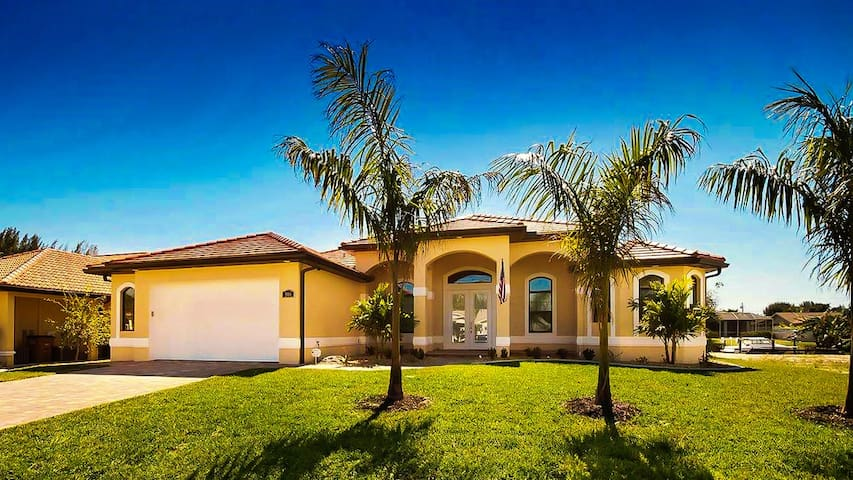 New Vacation Home in Cape Coral, FL - ケープコーラル - 別荘