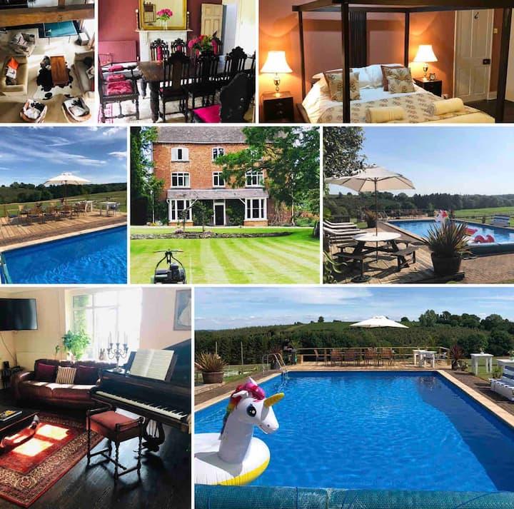 Boulsdon Croft Manor-hottub & summer pool/tennis