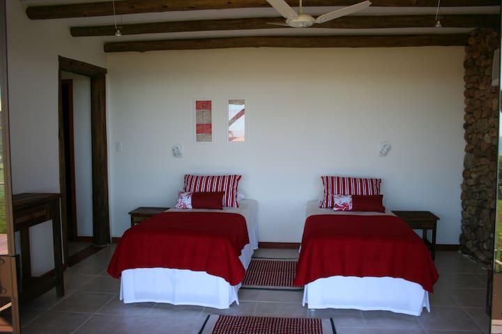 Suite 3 (possível montar cama casal se solicitado com antecedência)