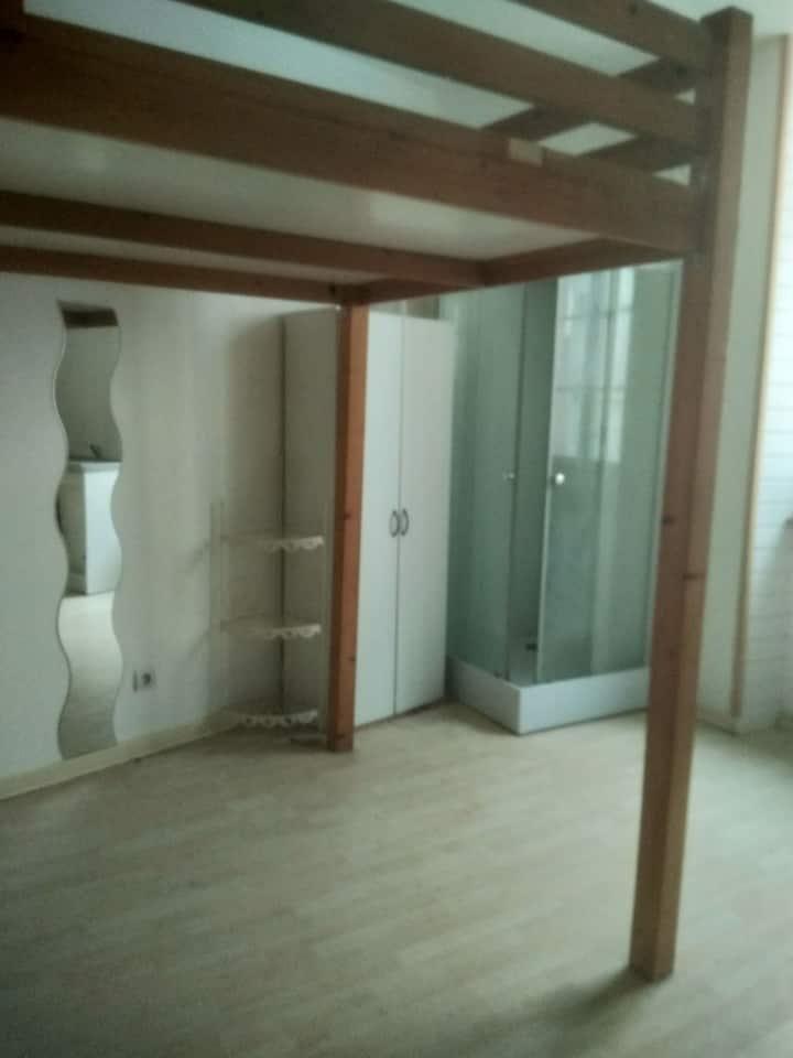 Studio meublé La Couronne centre-ville