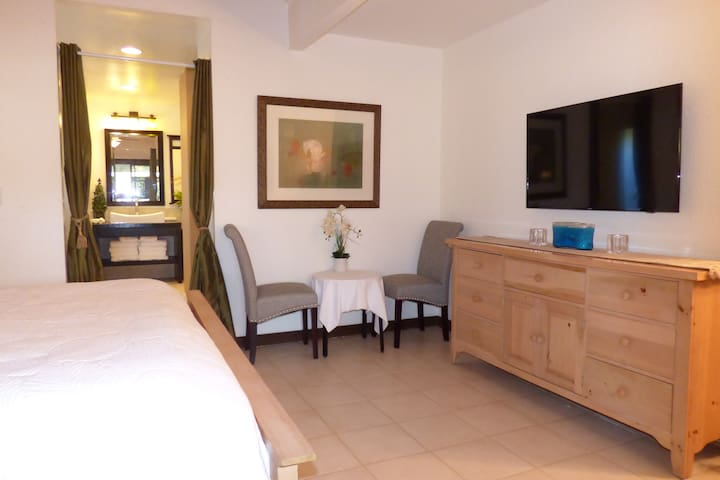 SUITE DREAMS 3 min. walk to beach Air Conditioning