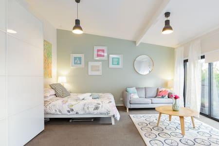 Stunning Studio in Heart of Clovelly Village.