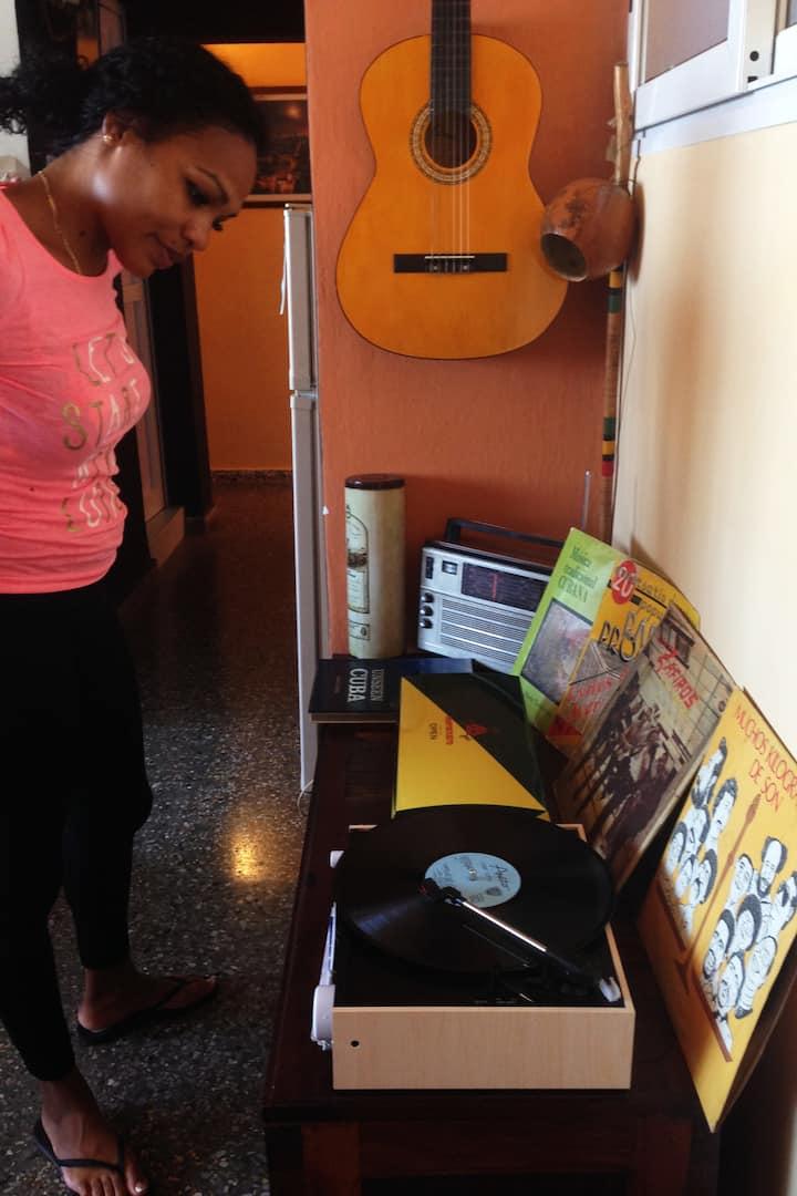 Pasion por los Vinilos de Musica Cubana