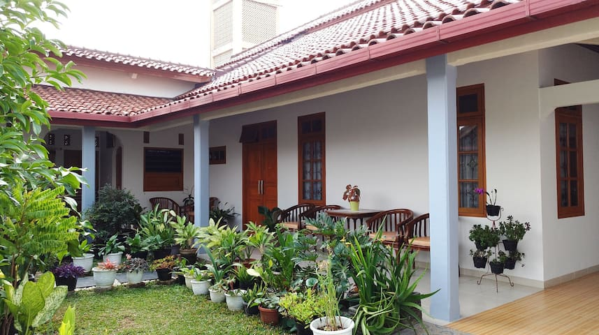 Sriwidari Homey (Room 1)